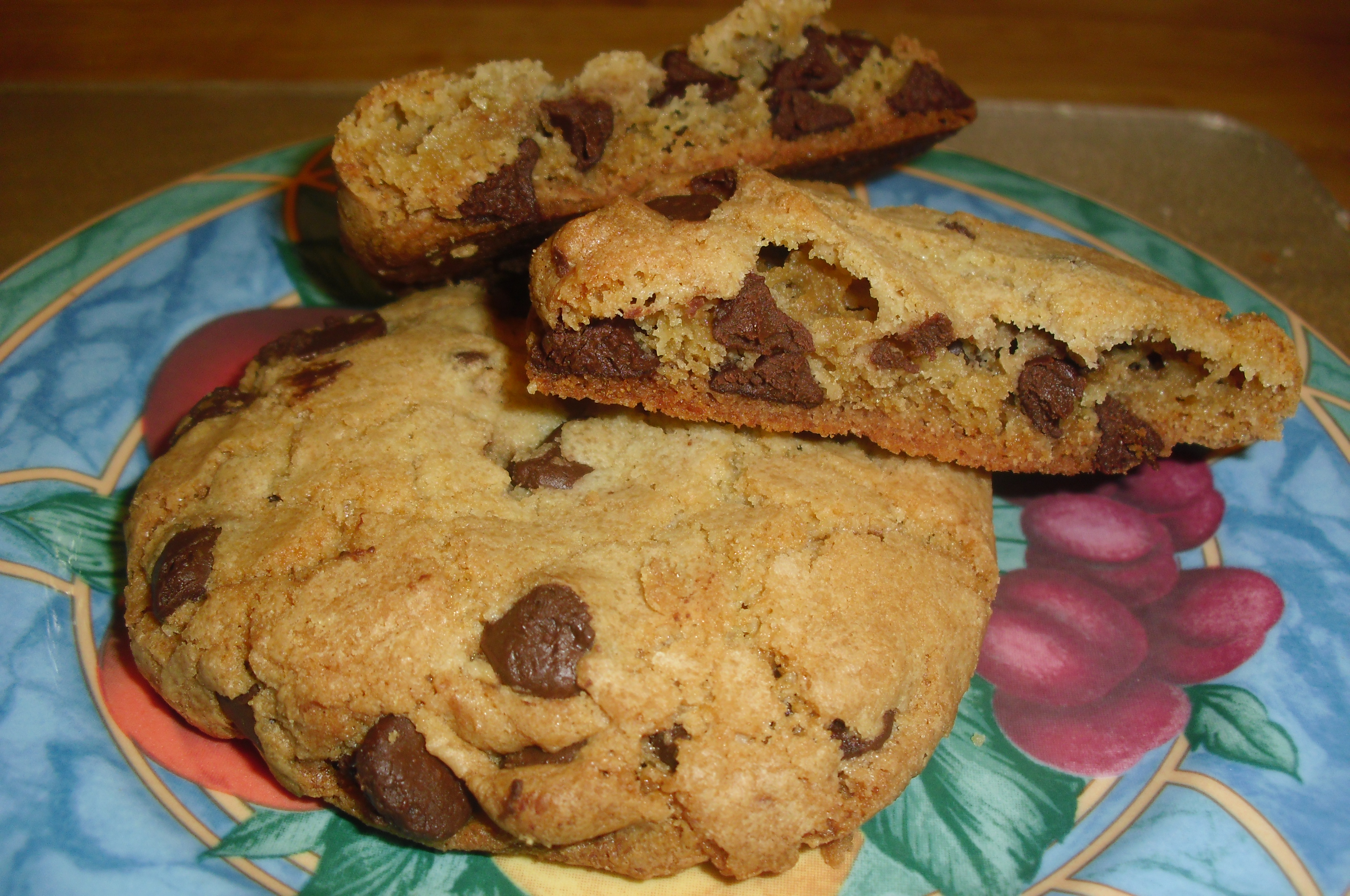 Big Chewy Chocolate Chip Cookies | D-Liss-Ous Dishes